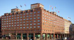 1200px-Sheraton hotel 2009